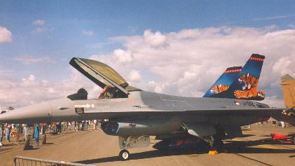 lockheed-f16-2-mdv-author